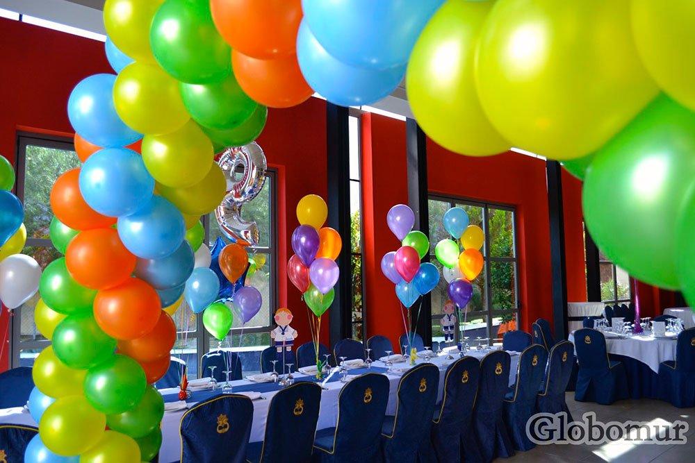 Comuniones for Decoracion para pared con globos